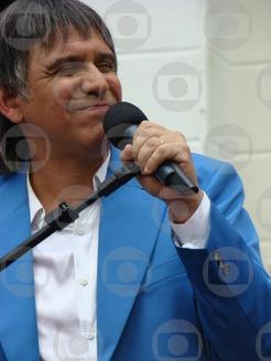 Casseta e Planeta terá homenagem a Roberto Carlos, no ar 21/04