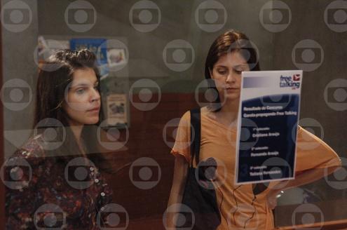 Cristiana, Nanda e Tati disputam a campanha publicitária do curso de inglês