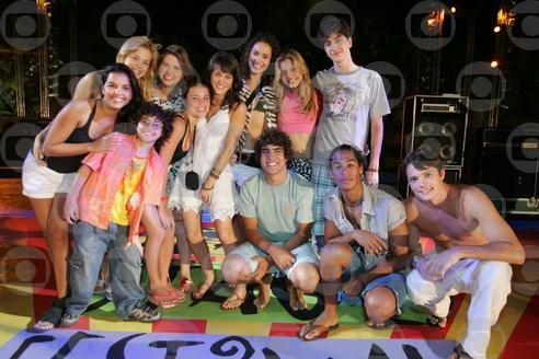 Elenco de Malhação grava no Ceará