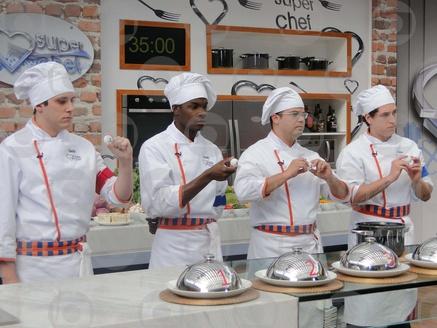 Thiago é o novo líder do Super Chef